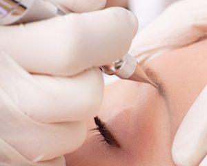 haute-makeup-semi-permanent-makeup-eyebrows-application-500x400