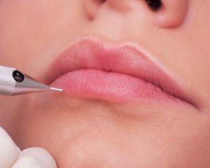 haute-makeup-semi-permanent-makeup-lip-application2-500x400